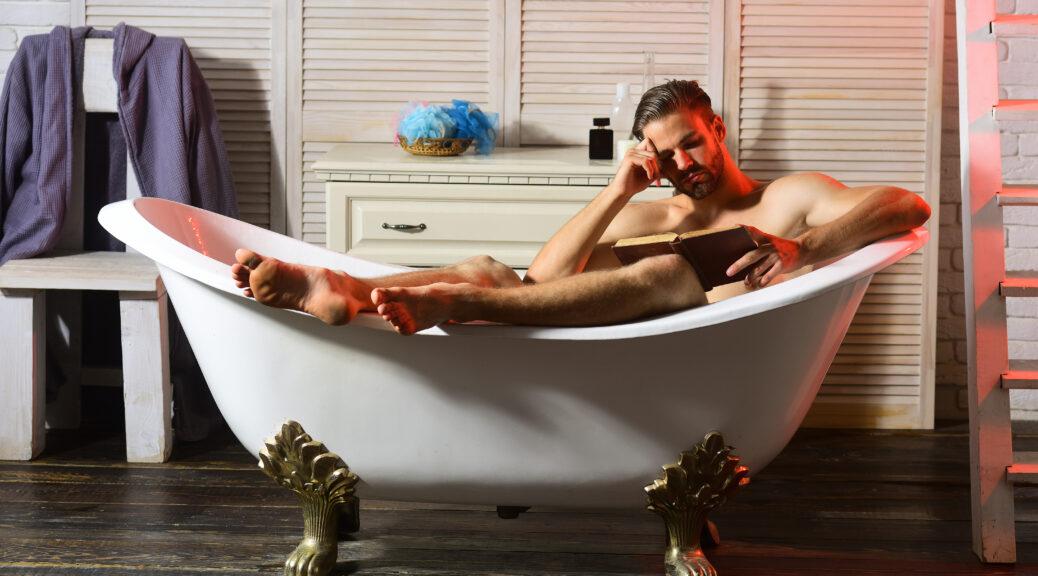 hottie i badekar erotiske romaner