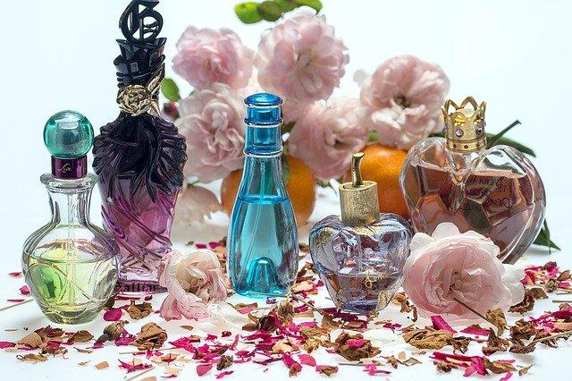 dufte og lugte parfume